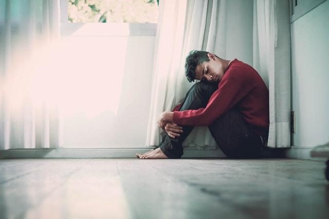 Suizidgefährdete Jugendliche zeigen oft nur leichte Depression